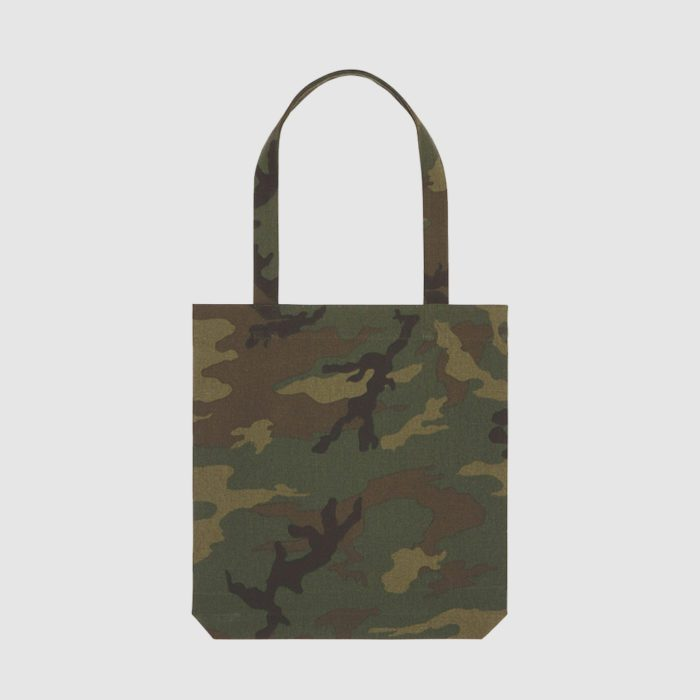 Custom camouflage bag with long handles, made from recycled material